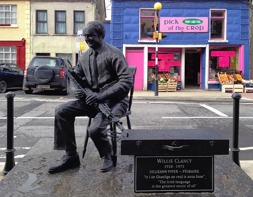 Willie Clancy statue